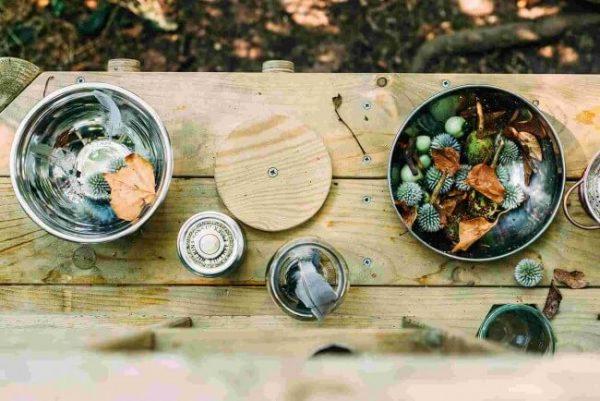 Kreatives spielen und lernen im Garten mit der Plum Discovery Küche