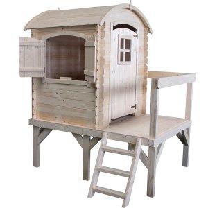 Spielhaus Lissi aus unbearbeitetem Holz mit Fenstern und Empore