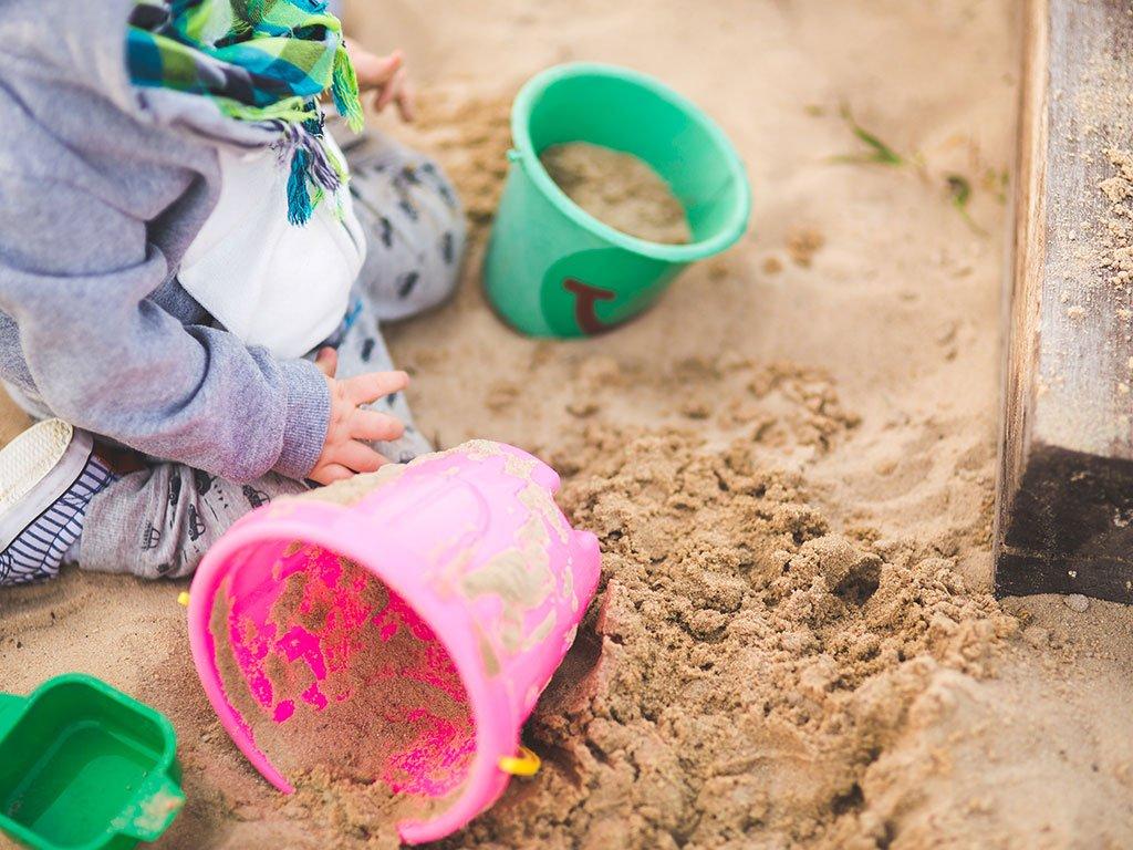 Der richtige Sand für deinen Sandkasten